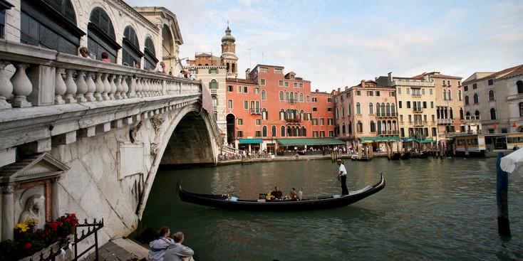 Adventures By Disney Italia Roma Toscana viagem com crianças Tour Veneza gondola