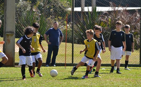 NR acampamento juventus futebol crianças minas gerais
