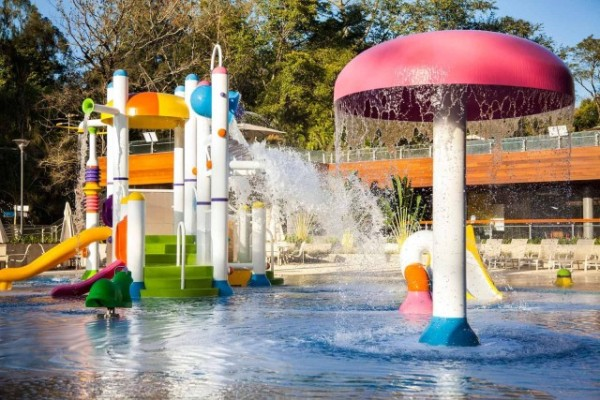 grande-hotel-sao-pedro-restaurante-crianças-parque-aquático-brinquedos-brasil-e1477066318605