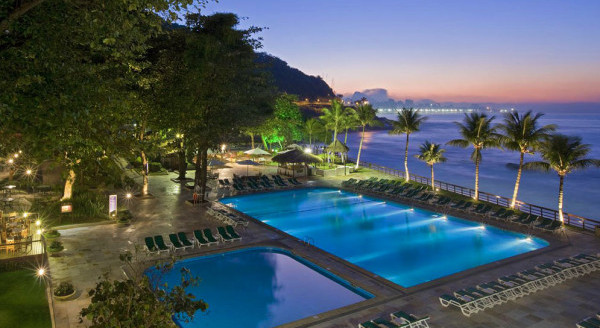 Sheraton-Grand-Rio-Hotel-Resort-piscina-rio-de-janeiro-vista-e1477069185434